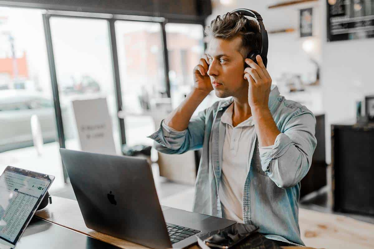 5 Ways Remote Workers Can Improve Their Communication Skills