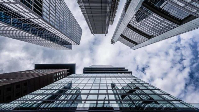 How Do You Structure A Commercial Real Estate Deal